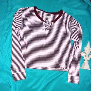 hollister small woman striped long sleeve shirt
